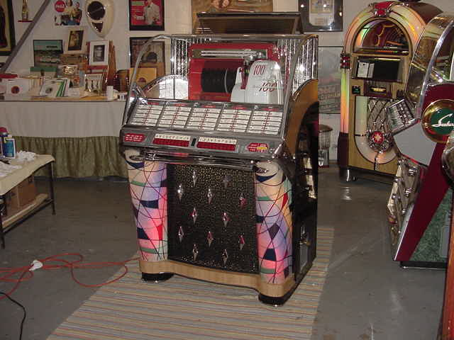 Seeburg M100-W Jukebox $9,000 |